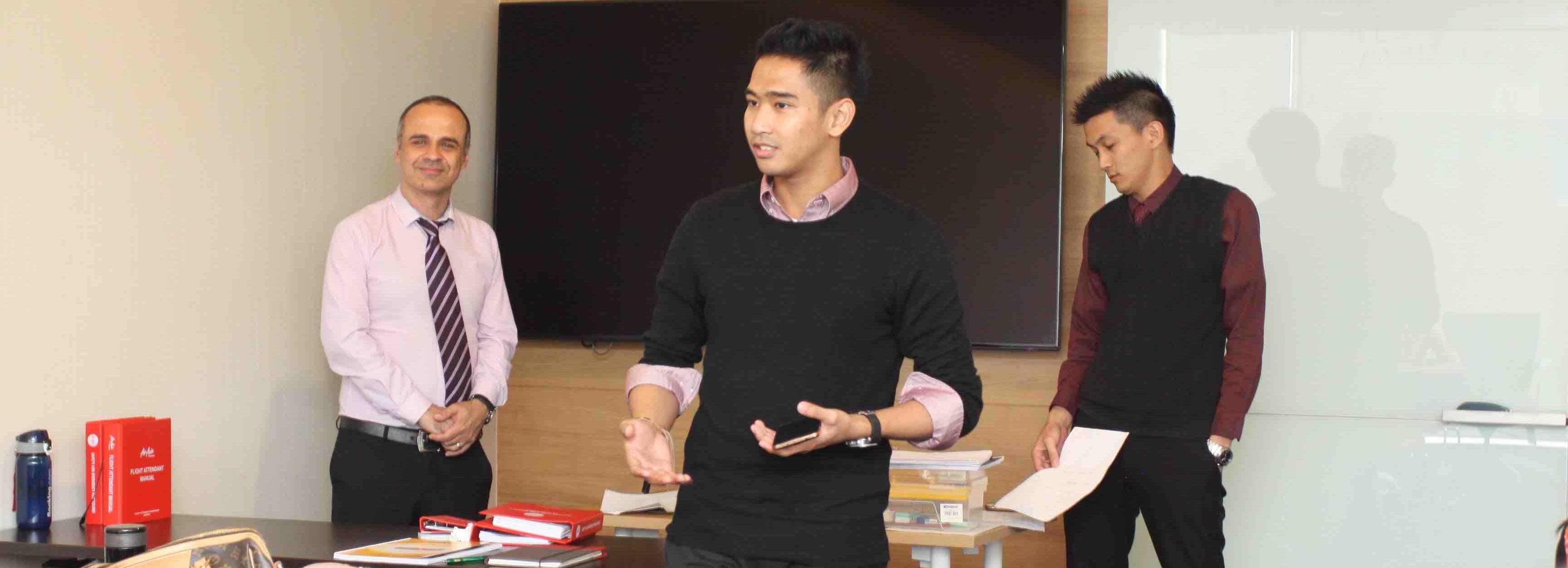 Les Bahasa Inggris Bisnis di Surabaya